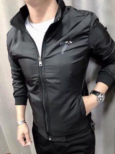 Lựa chọn áo khoác dù nam có mũ đẹp siêu cá tính